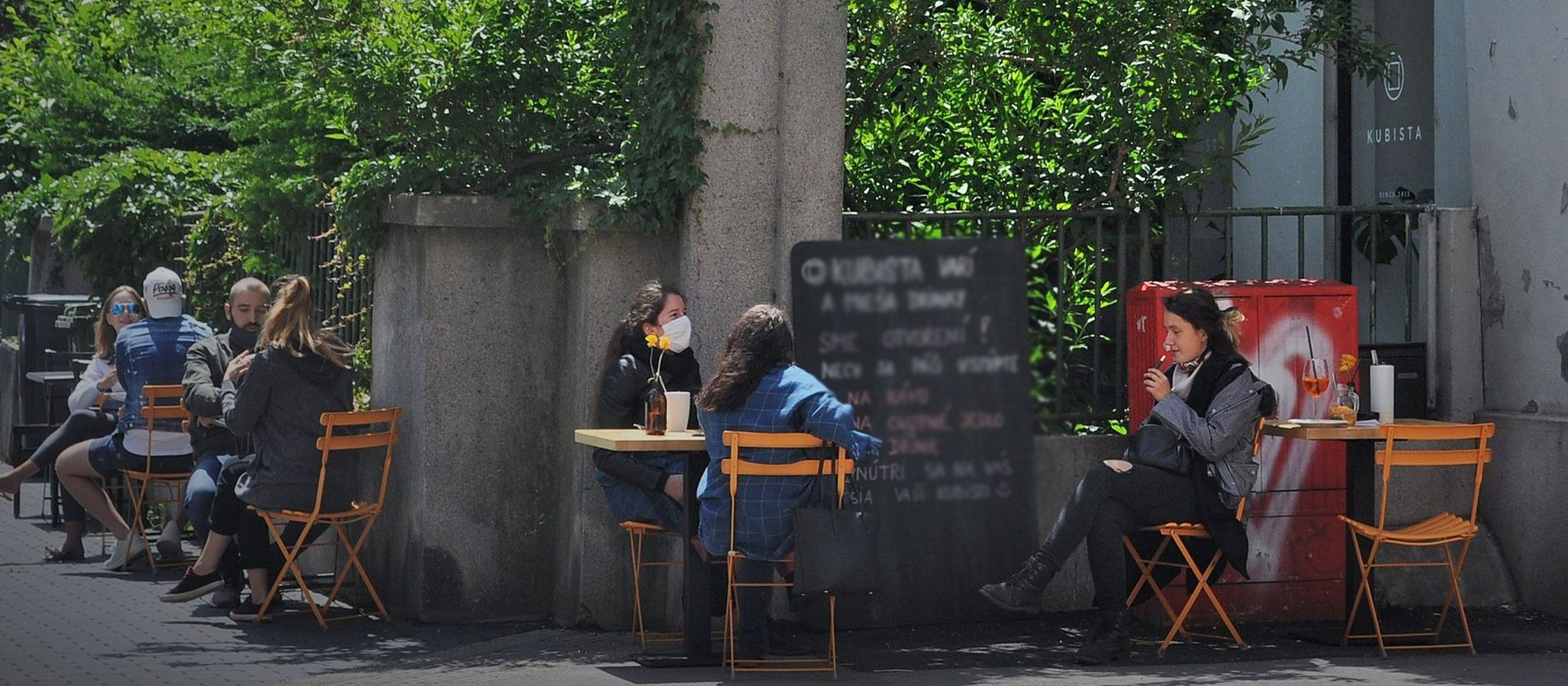 Photo for: What Restaurant, Bars And Pubs Are Doing Differently Than Before Lockdown